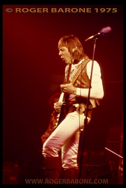 guitarist robin trower on spectrum stage