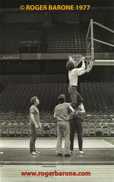 clem dibattista untangles spectrum basketball net
