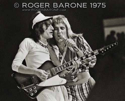 rod stewart and ronnie wood spectrum philly 1975 photo roger barone
