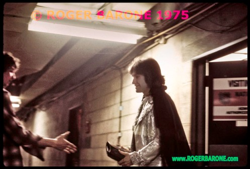 Ray Davies of the Kinks backstage photo from Spectrum Arena © Roger Barone 1975