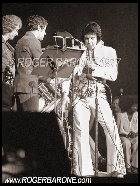 elvis presely final philadelphia performance concert photo by roger barone spectrum arena may 28, 1977