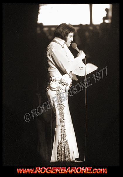 Elvis Presley last Philadelphia performance. Spectrum Arena May 28, 1977. © roger barone 1977