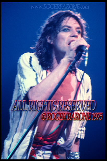 Mick Jagger singing with the Rolling Stones at the Spectrum Arena in Philadelphia , June 29, 1975. © roger baorne 1975