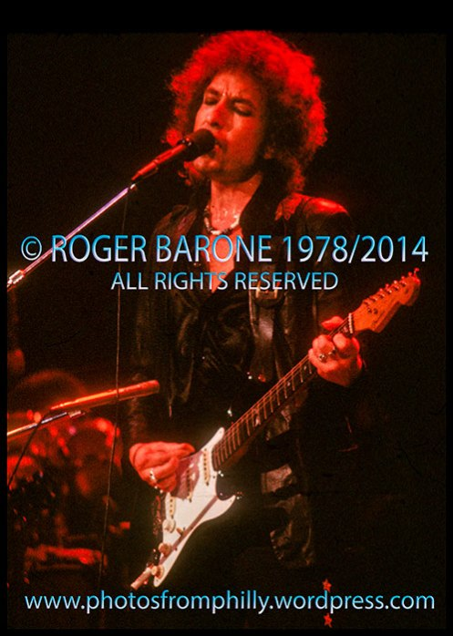 bob dylan performing at Spectrum Arena, oct 1978, © roger barone
